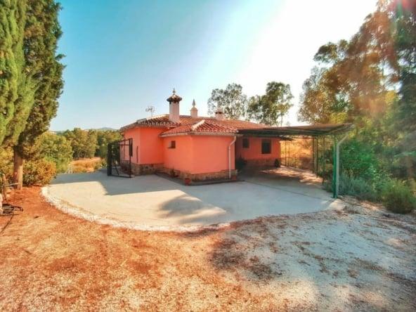 Casa rural en Coín con piscina y 3 dormitorios